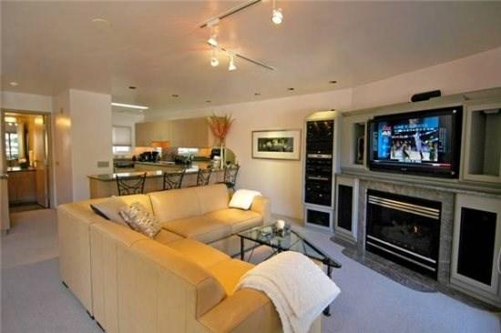Dolomite Vacation Rentals 8 living room and entertainment area - Aspen Colorado | Dolomite 8Aspen - Aspen - rentals