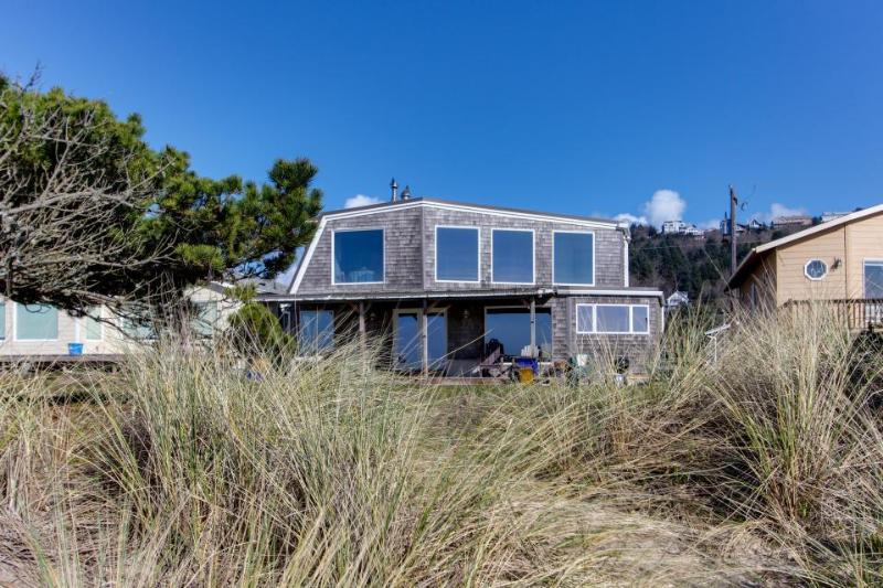 Oceanfront, dog-friendly beach house with amazing views & plenty of room! - Image 1 - Rockaway Beach - rentals