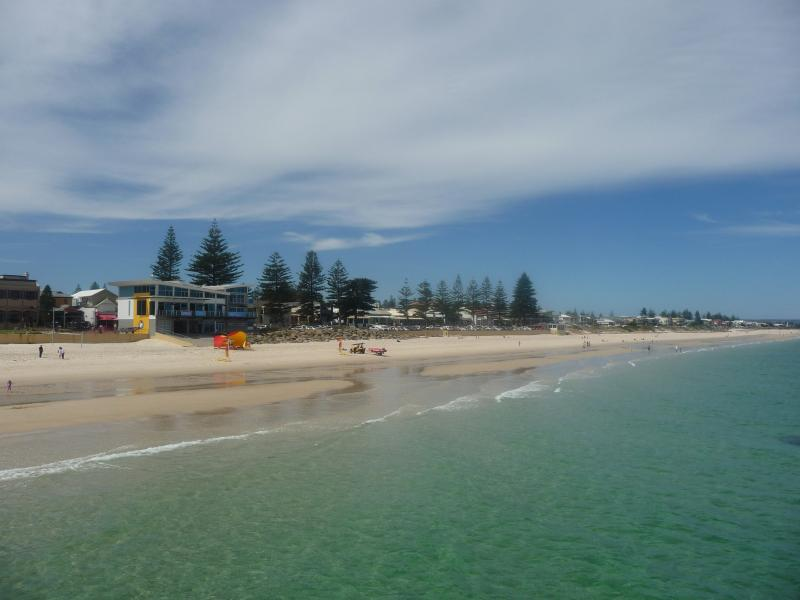 Adelaide Near Western Beaches - 2 Bed at Fulham - Image 1 - Adelaide - rentals