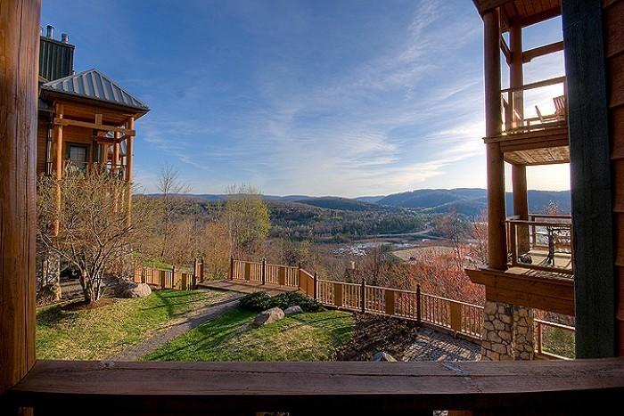 Charming 2 Bedroom & 3 Bathroom House in Mont Tremblant (L'Equinoxe | 150-11) - Image 1 - Mont Tremblant - rentals