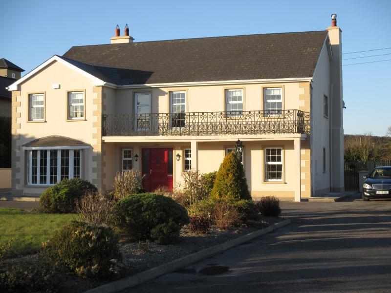 Glensheahan House 10min drive from Killarney Town Center - Glensheahan House Killarney- Great location  Wi-Fi - Killarney - rentals