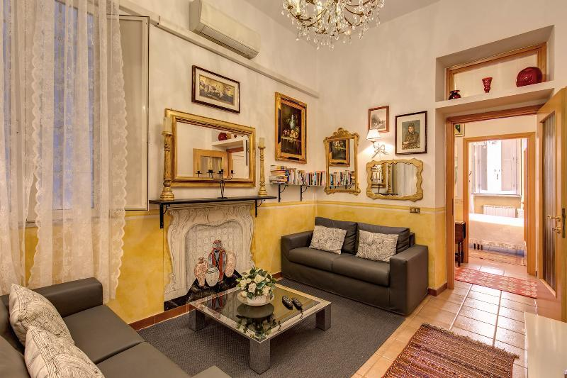 Living room - ALL INCLUSIVE! VERY CENTRAL  NAVONA/CAMPO DE FIORI - Rome - rentals