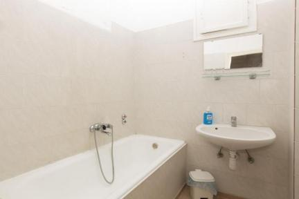 Spacious Flat in Calm Area Close to Center - 5654 - Image 1 - Budapest - rentals