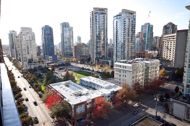 2 BR Luxury Apartment/Gym in Downtown - Yaletown - Image 1 - Vancouver - rentals