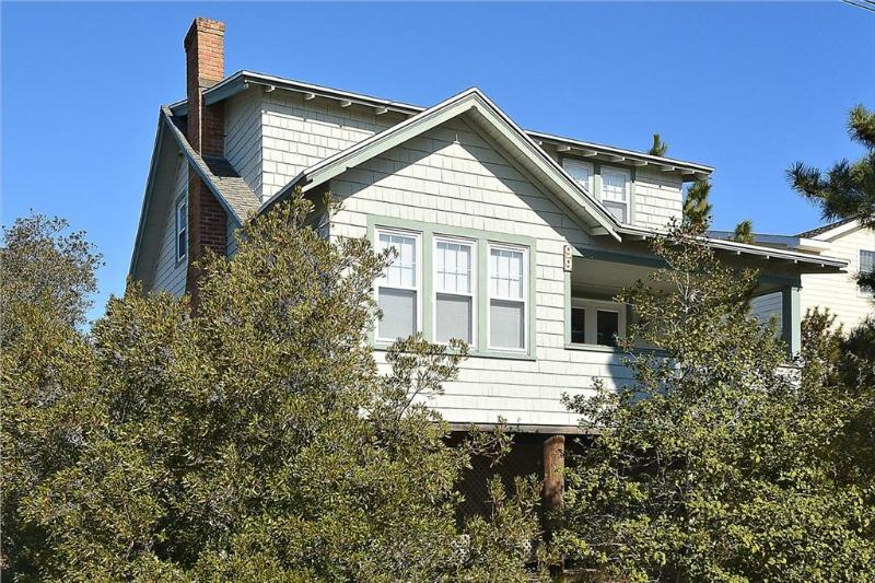 Charming 4 bedroom, 2.5 bath ocean view home - Just steps to the beach! - Image 1 - Bethany Beach - rentals
