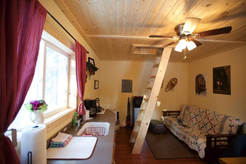 Alaska Wildlife Cabins and Hostel - Get the true feeling of Alaska - Enjoy Wildlife and the gorgeous Northern Lights - Image 1 - Fairbanks - rentals