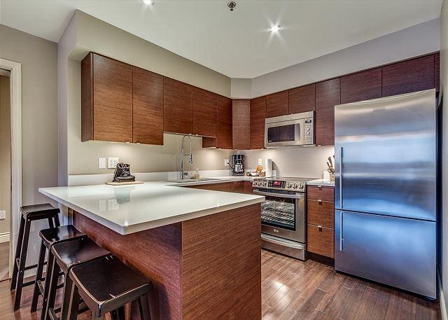 Full Kitchen with New Appliances - Acer Vacations | 2 Bedroom Ski-In Out Whistler Accommodation Greystone Lodge - Whistler - rentals