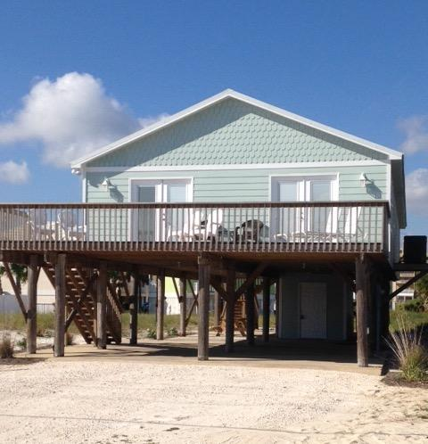 """This beach home is the very essence of luxury and rightly named, """"Blue Pearl."""" - Blue Pearl - Gulf Shores - rentals"""