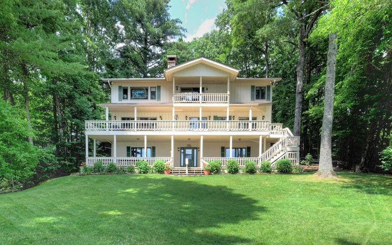 Beautiful lakefront property situated on Lake Toxaway, with over 5,000 sq. of living space. - Image 1 - Lake Toxaway - rentals