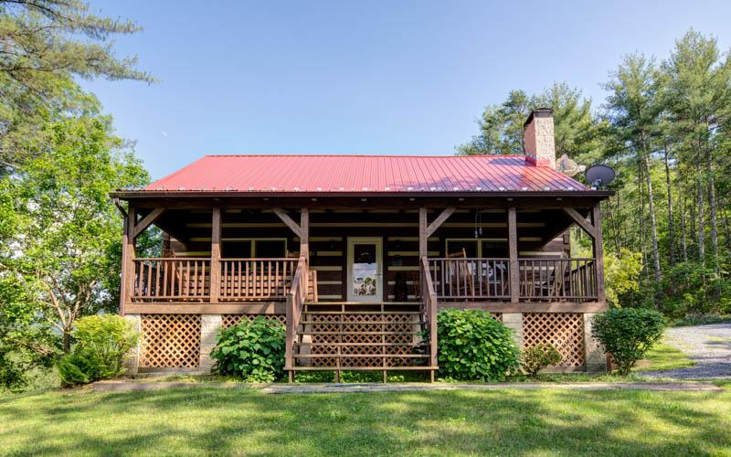 A cozy and private pet friendly cabin surrounded by 300 acres of National Forest and extensive trails - Image 1 - Hot Springs - rentals