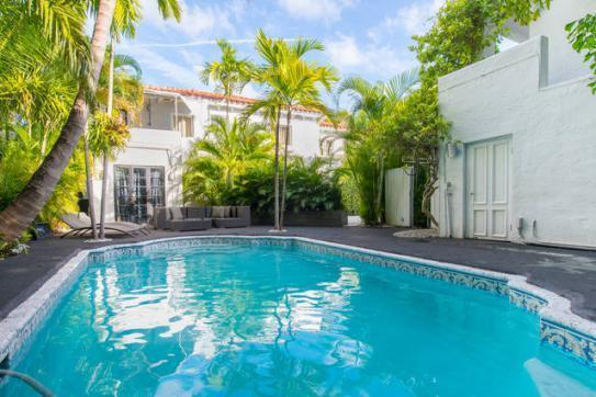 Tropical Pool and Courtyard - South Beach Art Deco Mansion Estate - Miami Beach - rentals