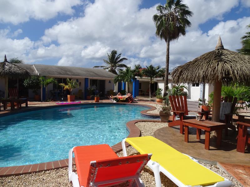 Relax at the pool and enjoy! - Hacienda Wayaca Apartment Aruba - Oranjestad - rentals