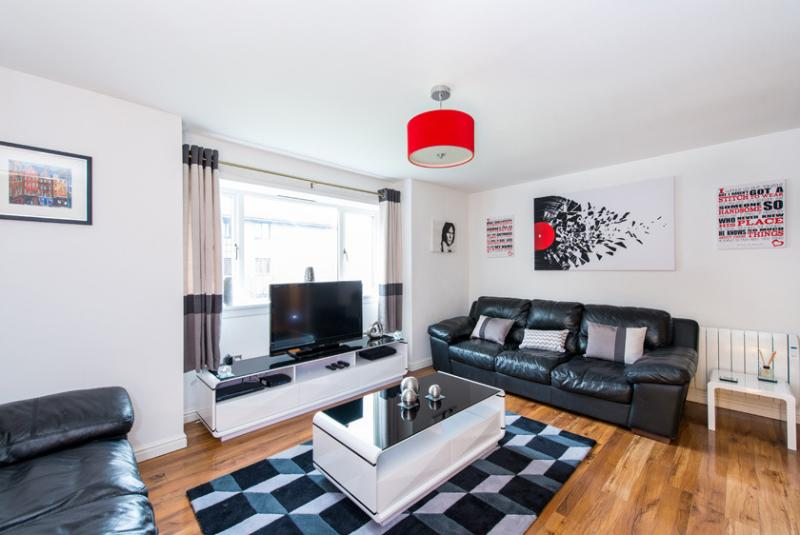 large lounge - Allanfield Apartment -  free parking and WIFI - Edinburgh - rentals