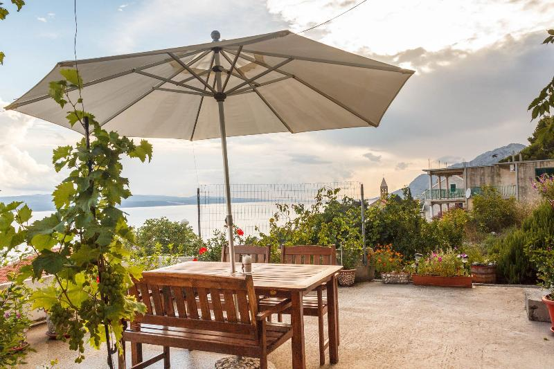 A1(5): garden terrace - 8103 A1(5) - Brela - Brela - rentals