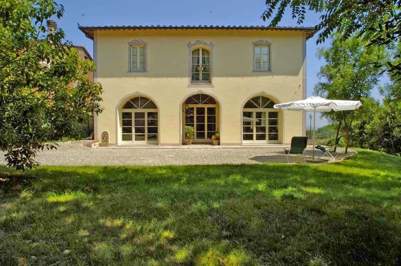 6 bedroom Villa in San Miniato, Florentine hills, Arno Valley, Italy : ref 2293979 - Image 1 - San Miniato - rentals