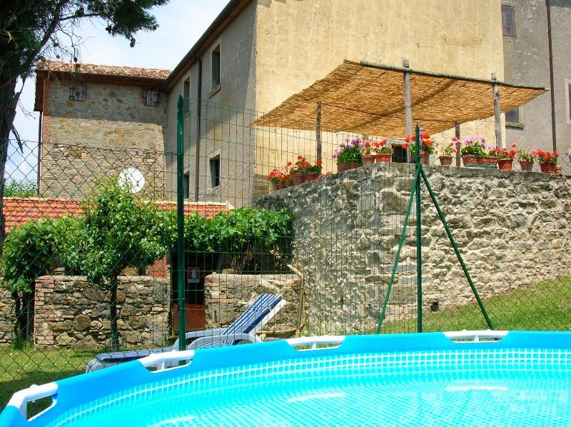 Casa Tersalle pool and terrace - Casa Tersalle Lippiano, Citta' di Castello, Umbria - Citta di Castello - rentals