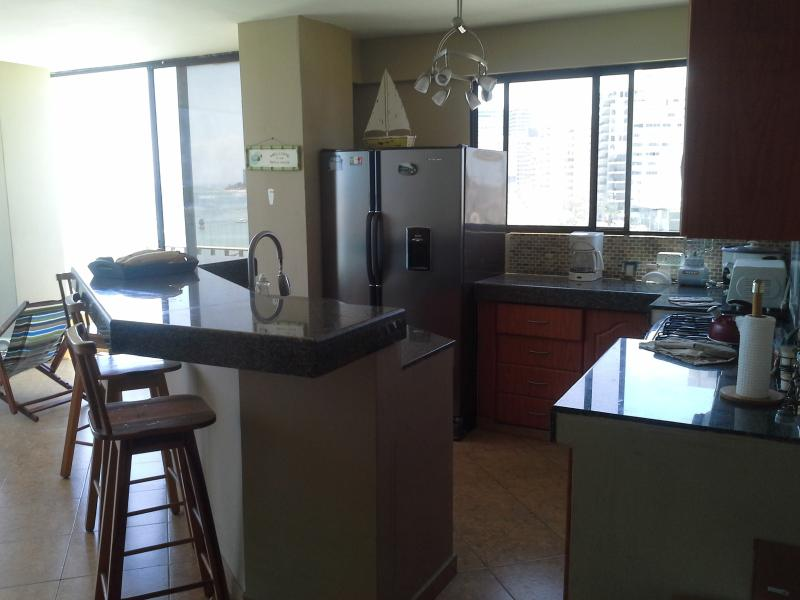 4 Bedroom Condo on Salinas Beach - Image 1 - Salinas - rentals