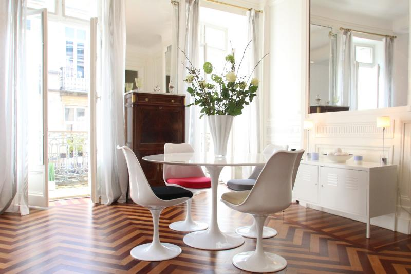 Classic elegance with contemporary style - Bordeaux Golden Triangle - chic and convenient - Bordeaux - rentals