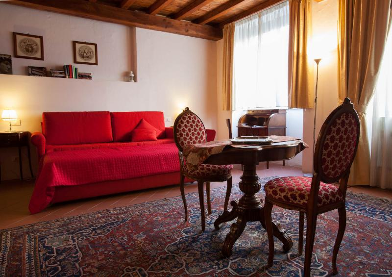 Magnificent Vacation Apartment in Center of Florence - Image 1 - Florence - rentals