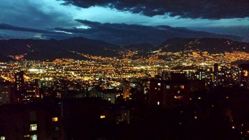 The Distinguished Gentleman 0158 - Image 1 - Medellin - rentals