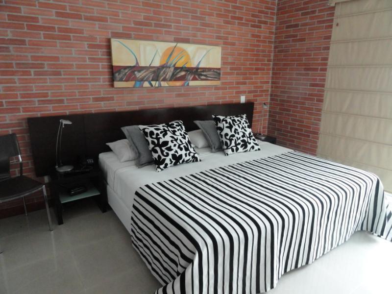 2 Bedroom w/ 10th Floor Pool in Poblado 0061 - Image 1 - Medellin - rentals