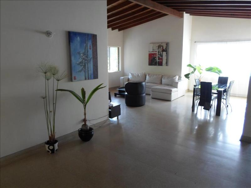 Spacious and Social Laureles House w/Rooms 0018 - Image 1 - Medellin - rentals