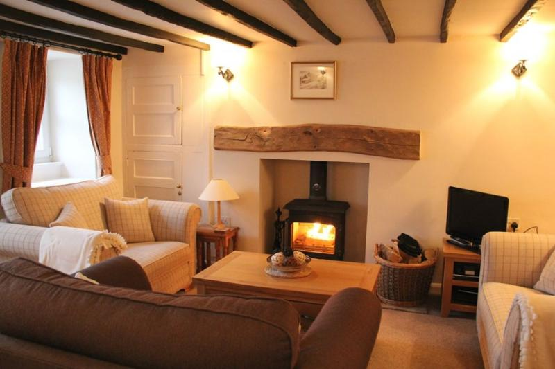 THE OLD POST OFFICE, Dacre, Nr Ullswater - Image 1 - Ullswater - rentals