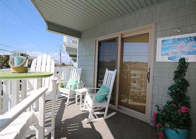 Summer Place A1 - Perfectly beachy first floor one bedroom ocean view condo. - Image 1 - Wrightsville Beach - rentals