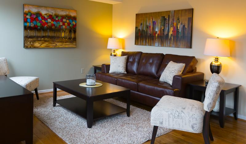 Stay Alfred Boston Vacation Rental Living Room - Fabulous Garrison Street Apartment by Stay Alfred - Boston - rentals