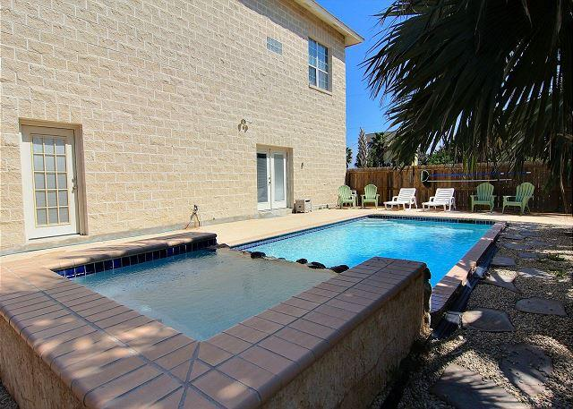 Private Pool - Spacious House: 4,300 sqft, Private Pool, Close the the Beach, In Town - Port Aransas - rentals