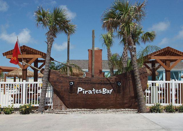 Welcome to Pirates Bay - Moore Fun House: WINTER TEXAN'S WELCOME, SINGLE STORY, 3/2, Sleeps 8 - Port Aransas - rentals