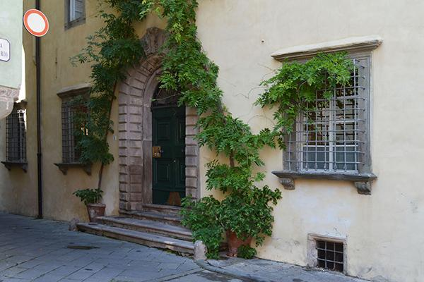 Luccan apartment in the medieval part of the city. SAL MZZ - Image 1 - Lucca - rentals