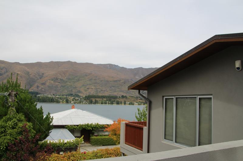 as you unpack the car - Lake Wanaka Chalet - Wanaka - rentals