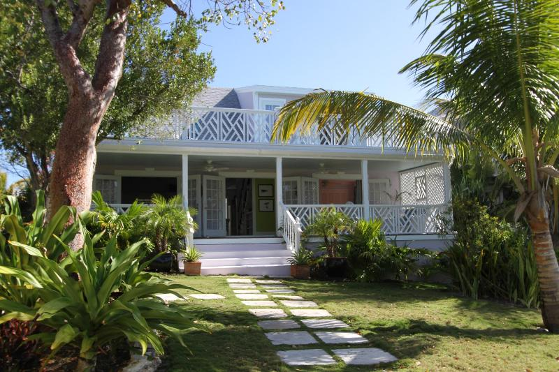 Front Entry - Relaxed island living with convenience and style - Harbour Island - rentals