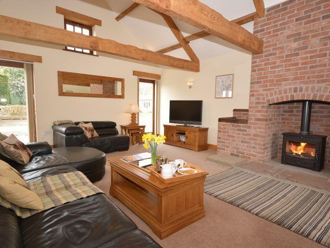 Lounge with woodburner - APRIB - Berkeley - rentals