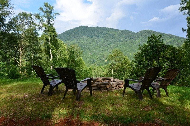 The View from the Fire Pit - Sunrise in the Smokies – Quiet Mountainside Log Cabin - Amazing View, Beautiful Decor, Great Firepit, Large Hot Tub – Wi-Fi - Bryson City - rentals