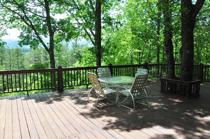Misty Mountain - This Inviting and Convenient Log Cabin is Only a 10 Minute Drive from Harrahs Casino and 5 Minutes from Fishing - Image 1 - Dillsboro - rentals