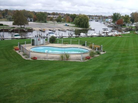 Great views from the balcony - Landings 14 - Weekly stays begin on Saturdays - South Haven - rentals