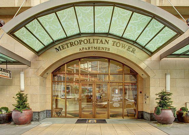 Metropolitan Tower #2711- Walkable Urban Seattle in the heart of downtown! - Image 1 - Seattle - rentals