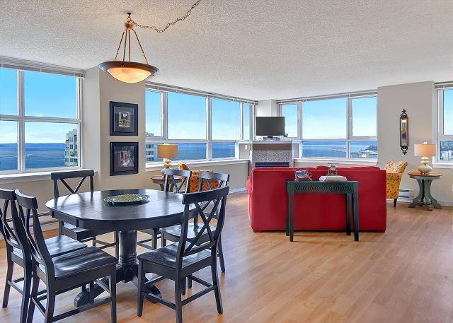 Gorgeous plush 25th floor apartment with stunning water and city views! - Image 1 - Seattle - rentals