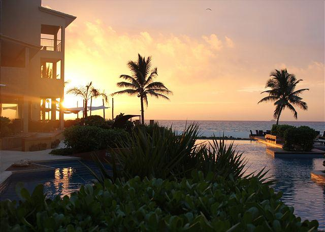 Sunrise at El Faro PLaya del Carmen - Stunning spacious 4 bedroom beachfront condo (EFS208) - Playa del Carmen - rentals