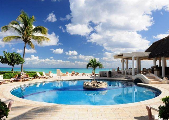 Xaman Ha Pool - 3 Bedroom groundfloor end unit oceanfront condo (XH7022) - Playa del Carmen - rentals