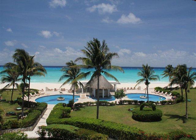 Huge Xaman Ha pool - Oceanfront with pool 3 bedroom in Xaman Ha (XH7122) - Playa del Carmen - rentals