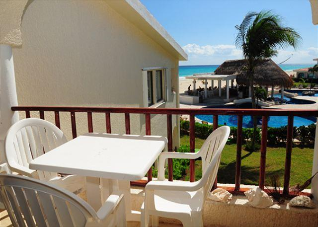 Terrace overlooking the ocean - Oceanfront with pool 3 bedroom in Xaman Ha (XH7122) - Playa del Carmen - rentals