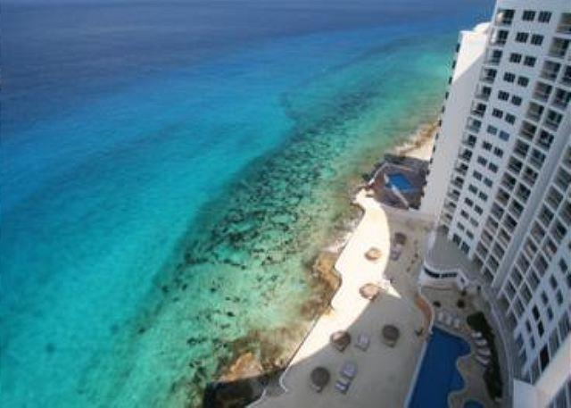 Oceanfront with pool 3 bedroom in Peninsula Grand (PG3A) - Image 1 - Cozumel - rentals