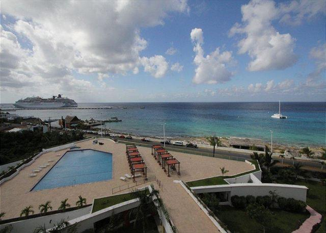 View from Palmar 6E - Oceanfront with pool 2 bedroom deluxe condo in Palmar condos (PM6E) - Cozumel - rentals