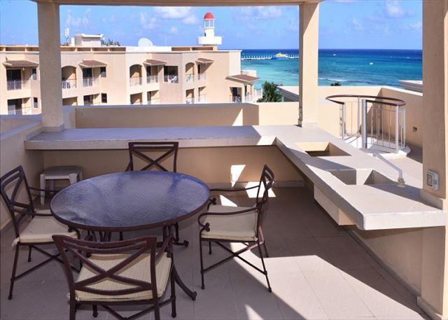 El Faro Reef 402 Terrace & Balcony - 2 Bdrm Beachfront w Gorgeous Rooftop Terrace (EFR402) - World - rentals