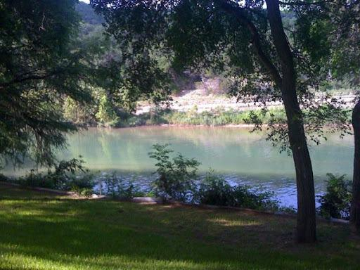 Cabana Guadalupe on River RD river front sleeps 12 - Image 1 - New Braunfels - rentals