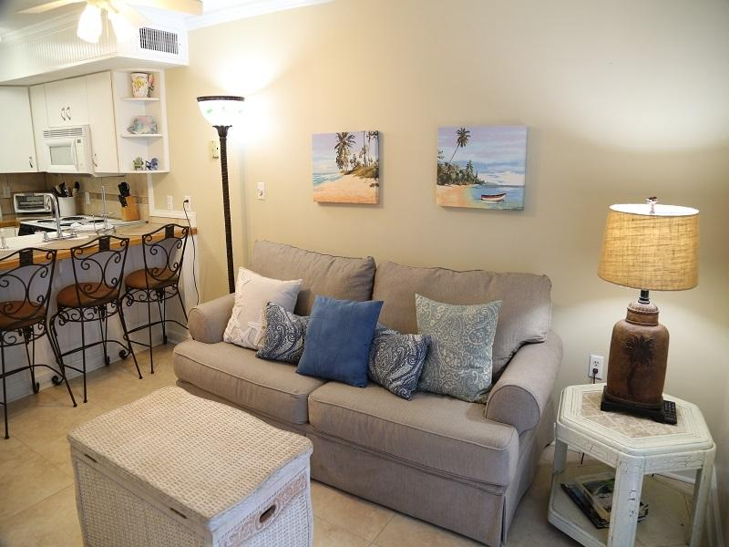 Living room sleeper - Seacrest 405 -Gulf Front - Gulf Shores - rentals