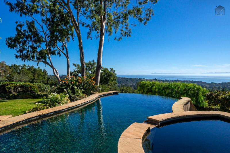 The terrace at Tuscan Charm boasts a heated infinity pool with amazing views of the ocean & islands - Breathtaking ocean views with your own private pool and spa - Tuscan Charm - Montecito - rentals